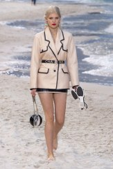 chanel-spring-2019-by-the-sea19