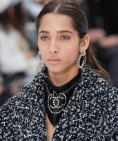 chanel-in-the-snow-fall-2019-collection-bandana