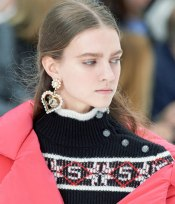 chanel-in-the-snow-fall-2019-collection-cable-knit-sweater