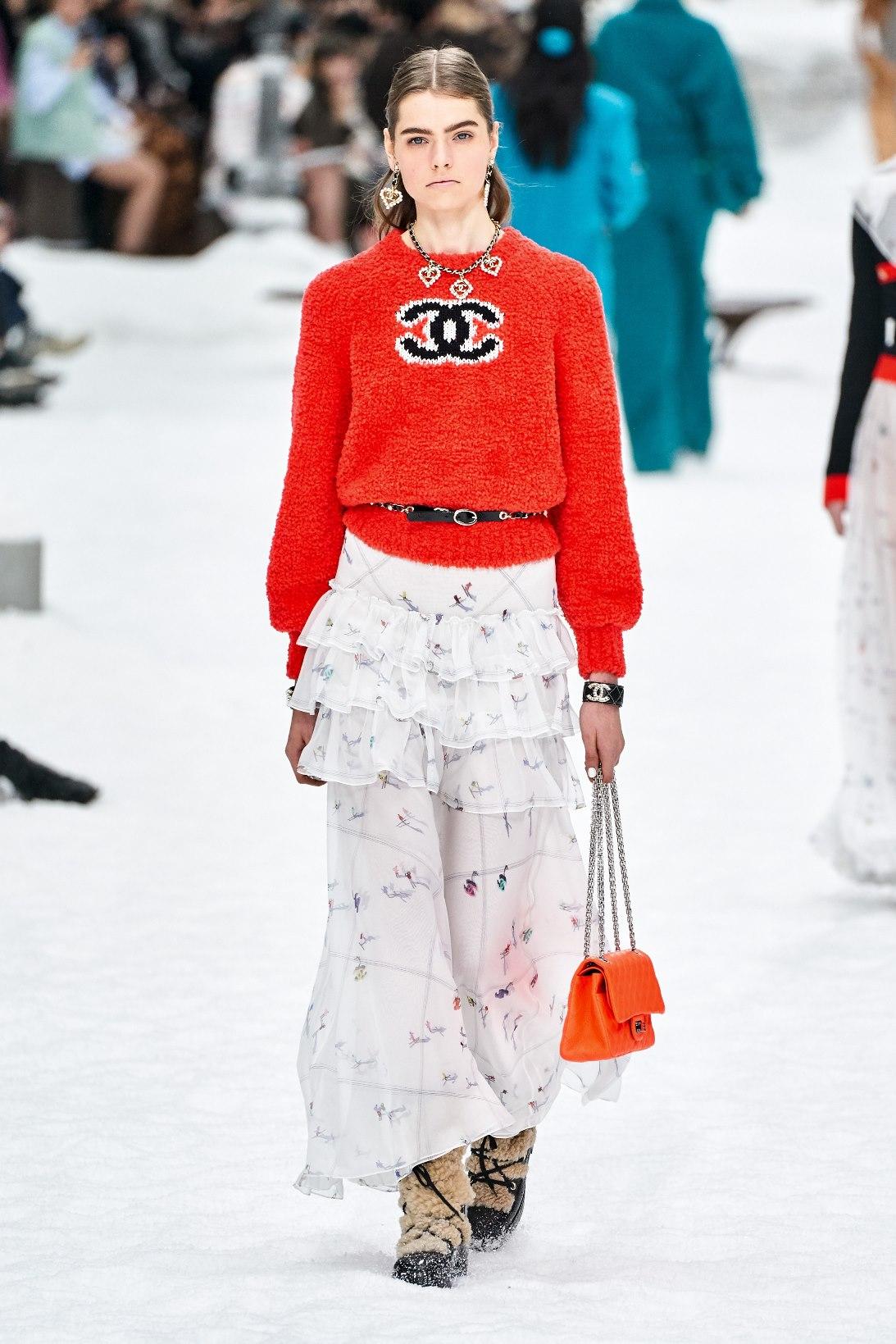 chanel-logo-jumper-sweater