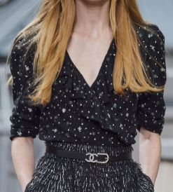 chanel-spring-summer-2020_cc-logo-blouse