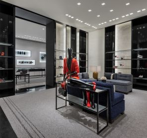 CHANEL_Montreal_boutique_Holt_Renfrew_Ogilvy_15_HD