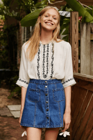 how to style a button up denim skirt