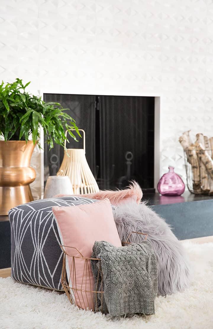 Living_Room_Pink_Grey_Throw_Pillows