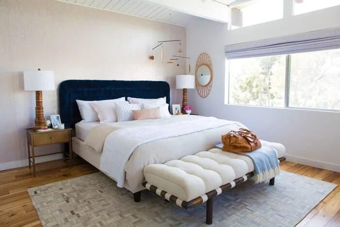 emily_henderson_nuetral_clean_master_bedroom