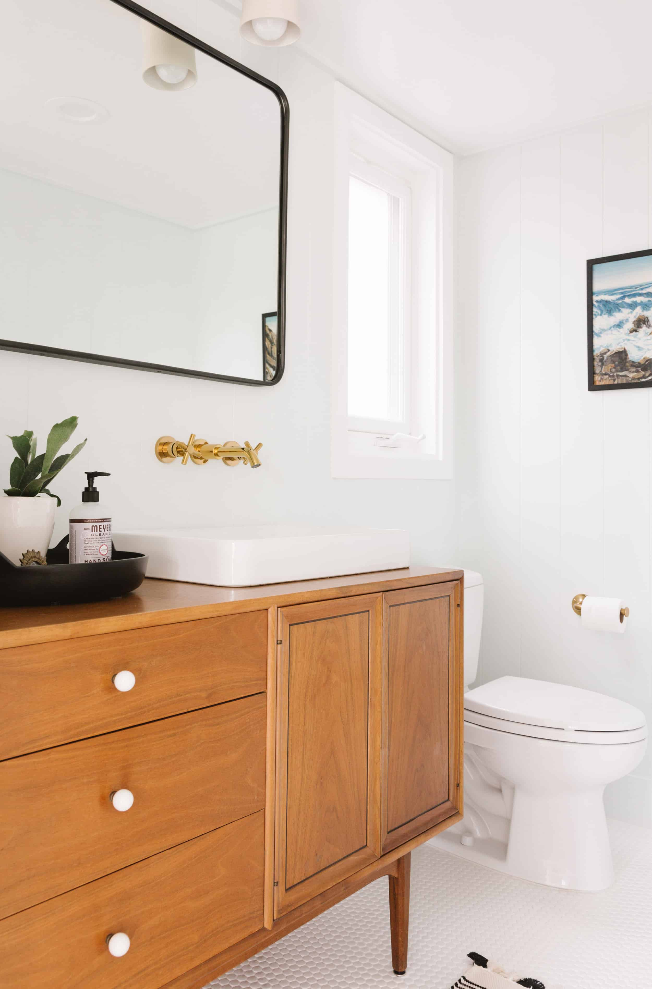 Samantha Gluck Emily Henderson Traditional Vintage Bathroom