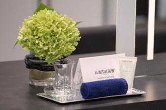 The beautiful welcome set relaxes every customer