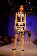 A kollekció logója a ruhákon is. / The collection's logo on the dress too.