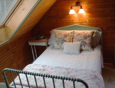 j small bedroom