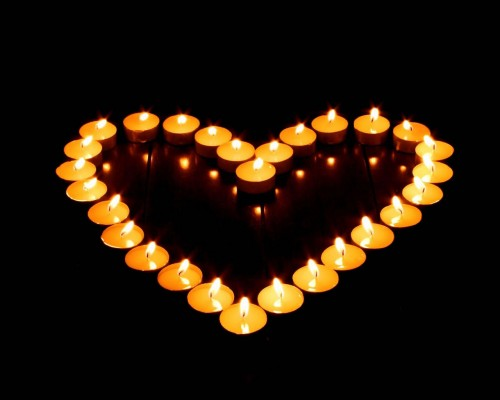 VOTIVE CANDLES HEART SHAPE
