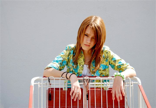 Noel-Michele-The-Waiting-Line