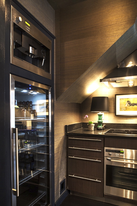 evolve-kitchen-glass-door-fridge