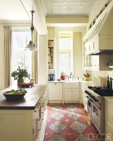 kilim-creamy-kitchen-elle-decor