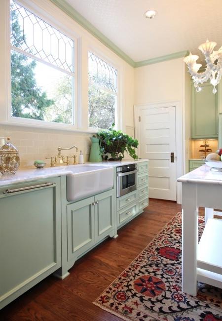 mint-kitchen-with-kilim-garrison-hullinger
