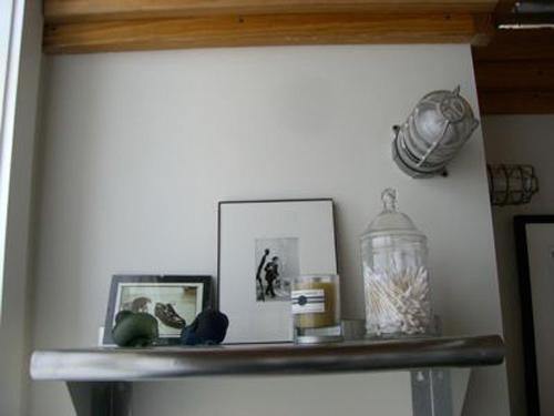 sharon-kitchens-bathroom-shelf