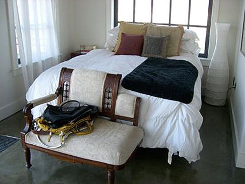 sharon-kitchens-bedroom