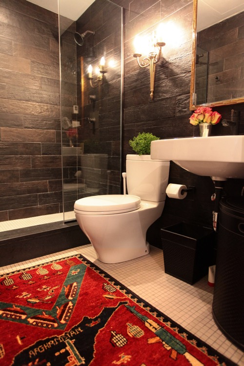 evolve-bathroom-with-kilim