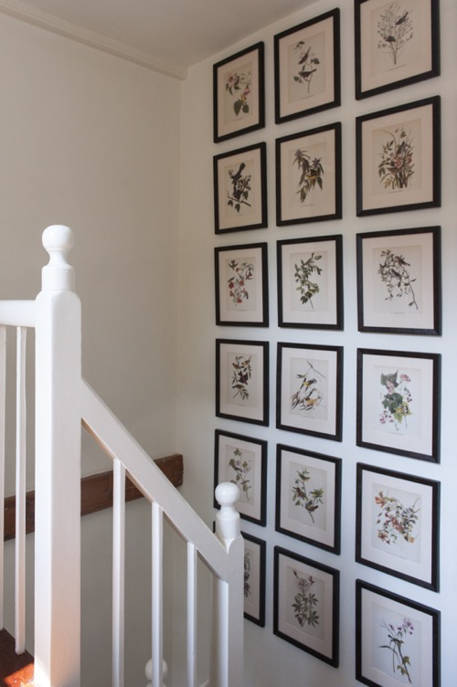 nantucket-elizabeth georgantas-stairway-gallery-wall