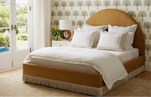 Serena & Lily Fall 2021 Fringed Bed Green Wallpaper