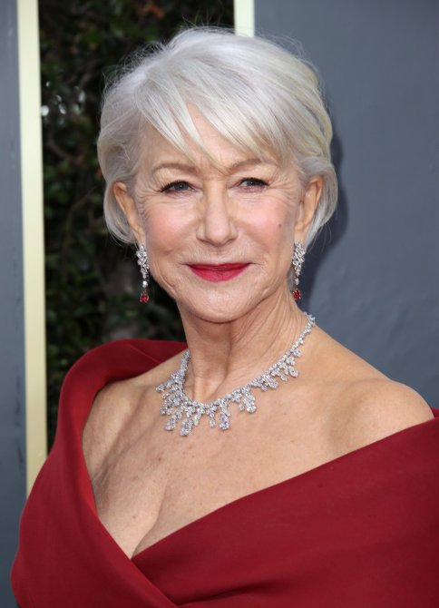 — Just 14 GrayHaired Celebs Looking Like Gorgeous Silver Sirens