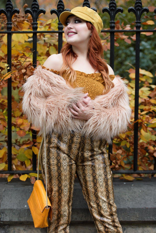 Blogger Twenty-Something City wears autumn 70s boho fashion