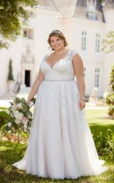20+ Model of the Brides Dress for Fat Women to Look Stylish Slim 2