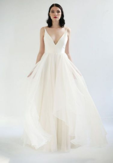 40 Beautiful wedding dresses for 40 year old brides ideas 32