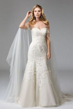 40 Beautiful wedding dresses for 40 year old brides ideas 4