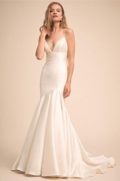 40 Beautiful wedding dresses for 40 year old brides ideas 42
