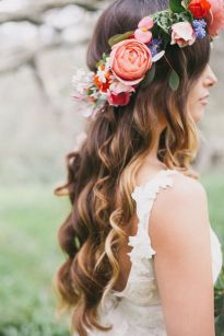 60+Bridal Flower Crowns Perfect for Your Wedding Ideas 21