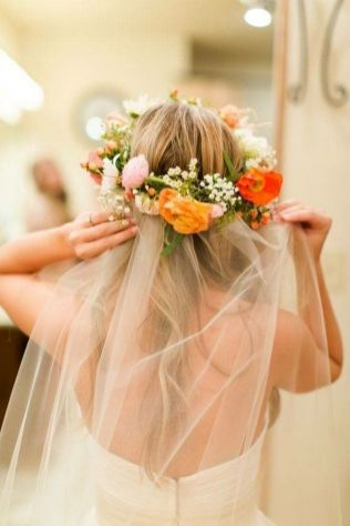60+Bridal Flower Crowns Perfect for Your Wedding Ideas 32