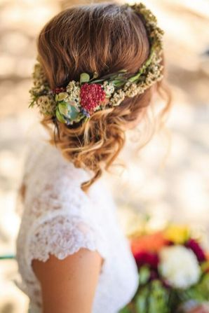 60+Bridal Flower Crowns Perfect for Your Wedding Ideas 59