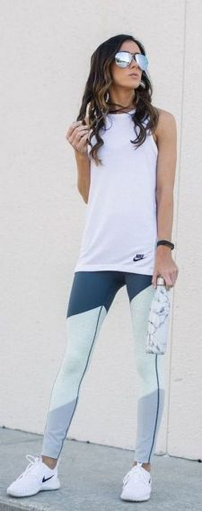 Beautiful yoga pants outfit ideas 15