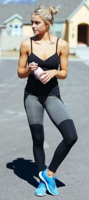 Beautiful yoga pants outfit ideas 27