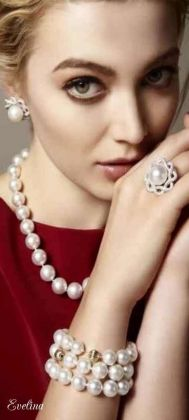 Great Pearl Necklace Outfit Ideas 70+ 22