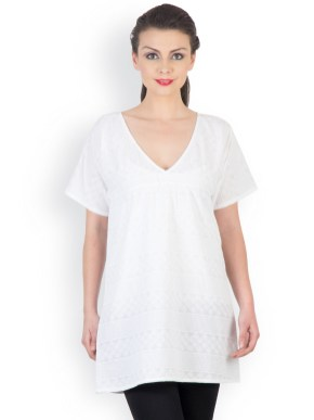 20 White Tunic Shirts for Women 10