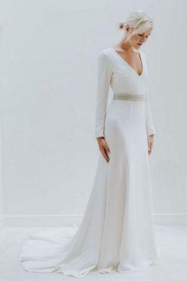 27 Simple White Long Sleeve Wedding Dresses ideas 16