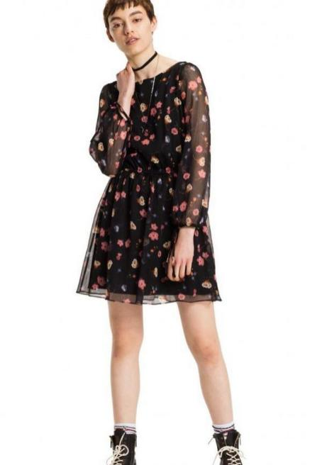 30 Women Print Dresses with sleeves Ideas 25