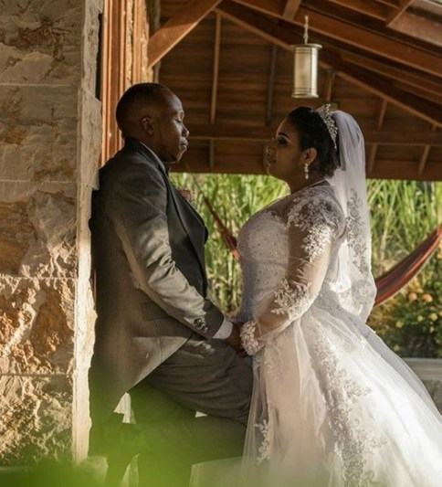 40 Romantic weddings themes ideas 31