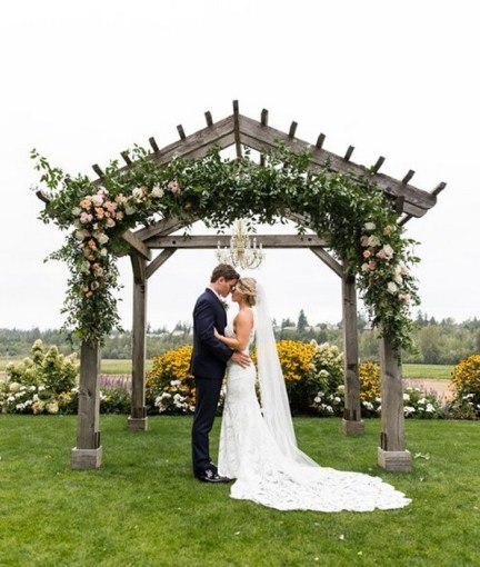 40 Romantic weddings themes ideas 33