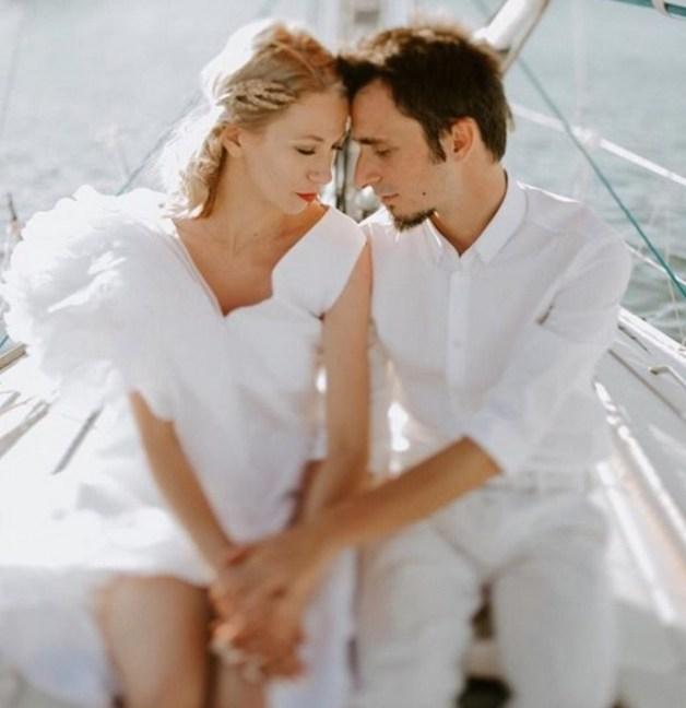 40 Romantic weddings themes ideas 9