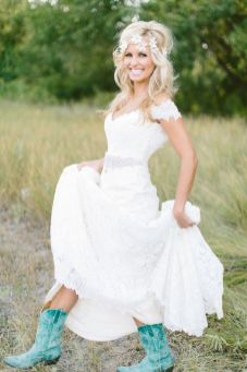40 wedding dresses country theme ideas 1