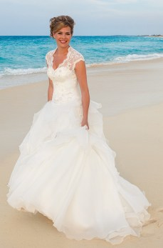 50 simple and sexy wedding dresses for the beach 17