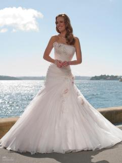 50 simple and sexy wedding dresses for the beach 45