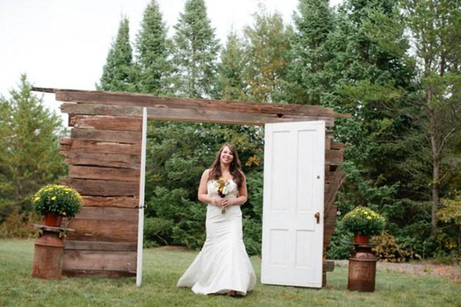 Creative And Fun Wedding day Reception Backdrops You Like Ideas 19