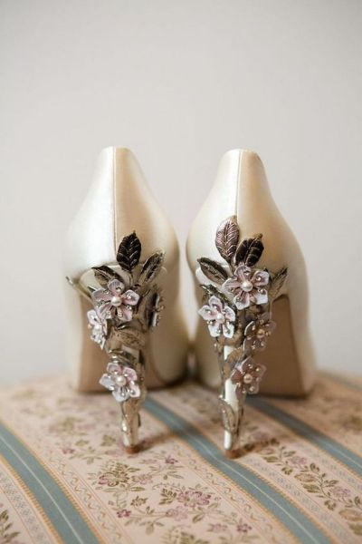 Floral Wedding Shoes Ideas You Never Seen Before 10