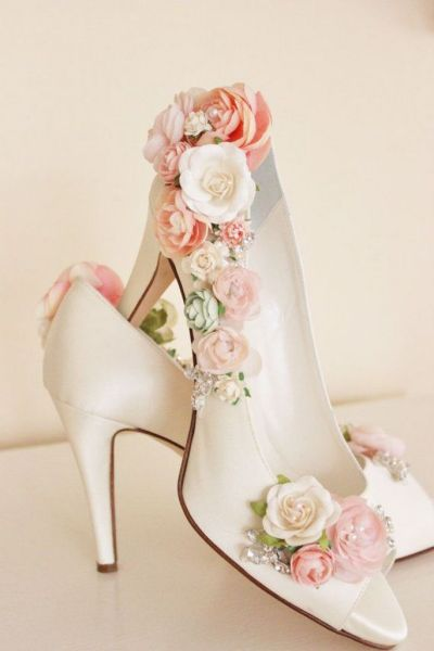Floral Wedding Shoes Ideas You Never Seen Before 13