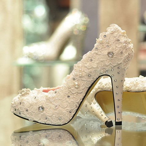 Floral Wedding Shoes Ideas You Never Seen Before 32