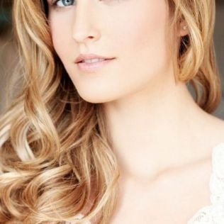 Soft and Romantic wedding makeup looks for fair skin 1