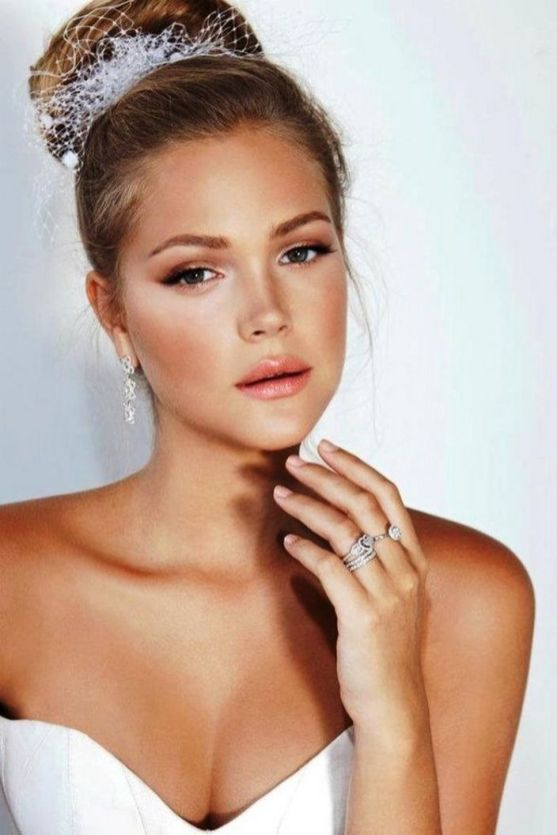 Soft and Romantic wedding makeup looks for fair skin 15
